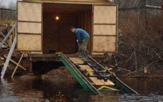 Гараж для лодки на берегу – как построить