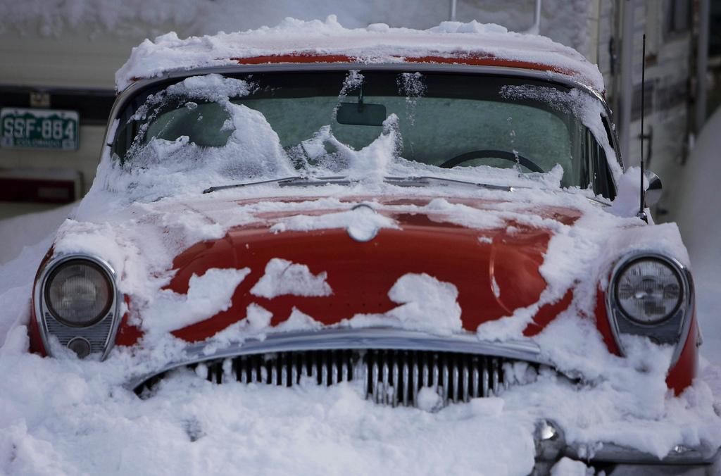 Как укрыть машину зимой если нет гаража