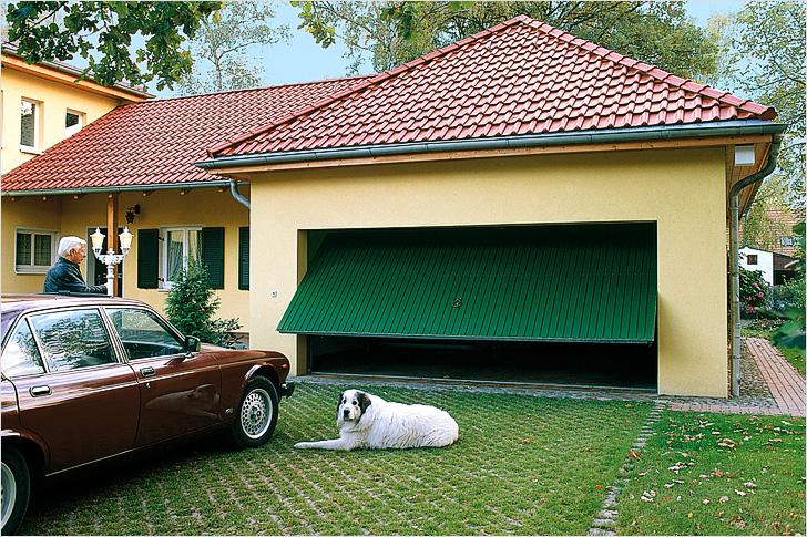 Ворота в гараж подъемные