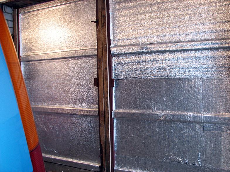утепляем ворота гаража сами
