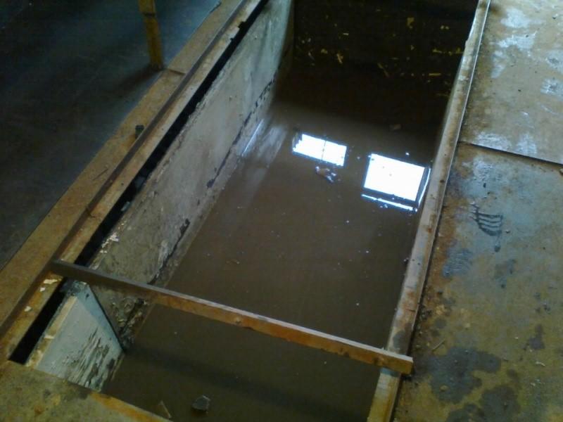 вода в смотровой яме