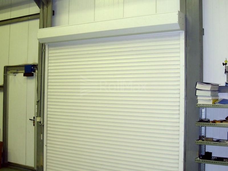 двери жалюзи в гараж