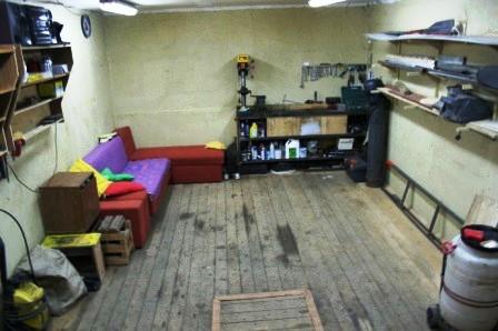 уютный гараж