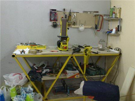 рабочее место в гараже
