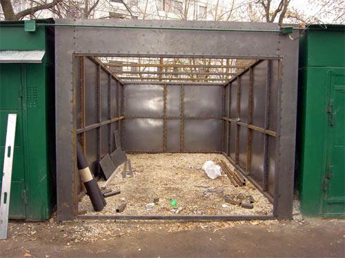 брошенный гараж