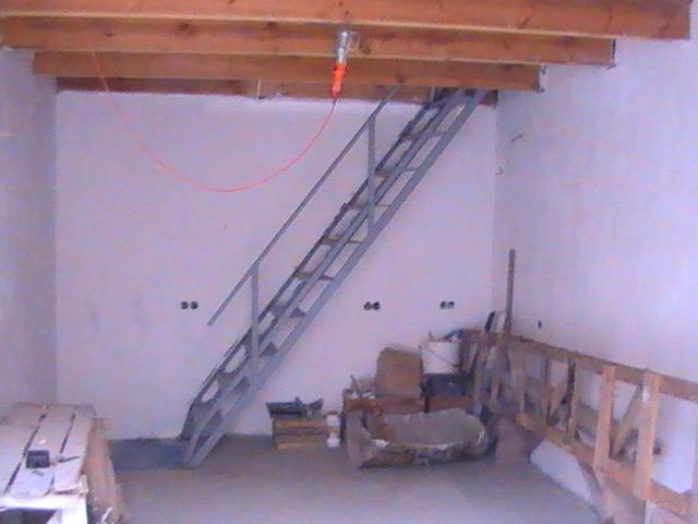 Как сделать лестницу на второй этаж в гараже своими руками из дерева 46