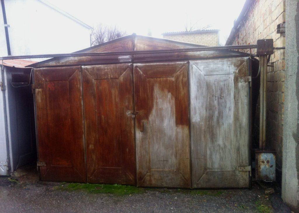 выпрямляем ворота гаража